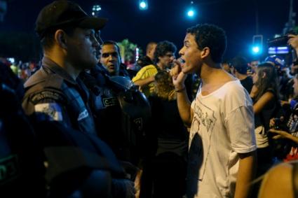Полицията в Сао Пауло използва сълзотворен газ