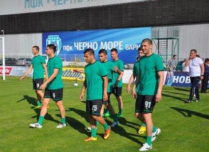 Двама чуждестранни футболисти се присъединиха към Черно море