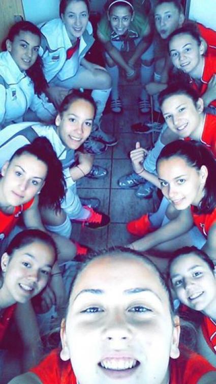 Най-младите волейболни националки на България завършиха втори в Чехия