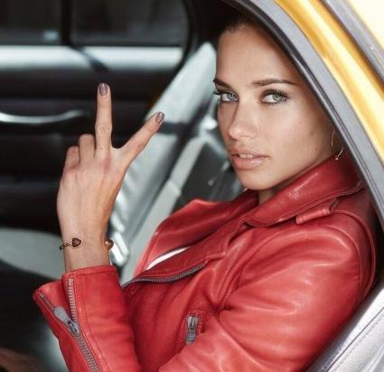 Адриана Лима стана лице на козметична марка