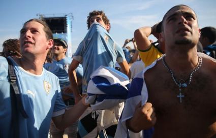 30 арестувани и двама ранени полицаи след празненствата в Монтевидео