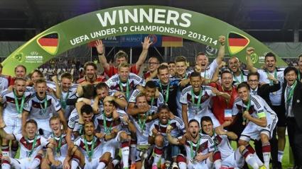 Германия вдигна европейската титла! (видео)