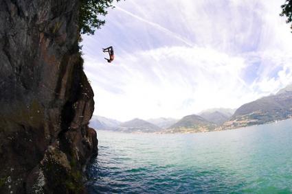 Българин ще стартира на първата световна купа по височинни скокове