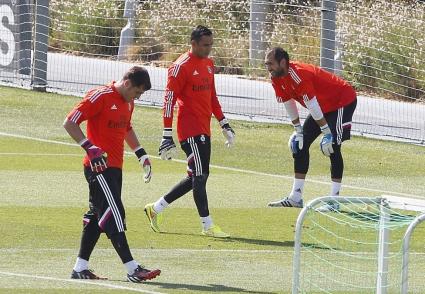 Вратарско напрежение в Реал Мадрид още на първата тренировка