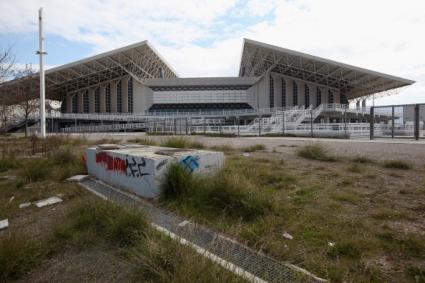 Вижте разрухата в Атина 10 години след олимпийските игри (галерия)