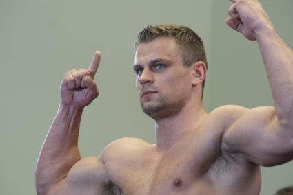 Бойцов се завръща срещу слабак