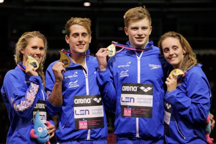 Великобритания спечели новата дисциплина - смесена щафета 4 по 100 метра, на ЕП по плуване