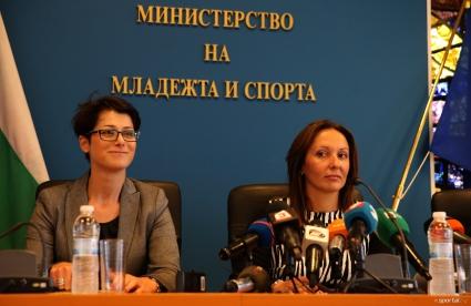 Позиция на министър Раданова по повод обществена поръчка за реконструкция на Зимния дворец