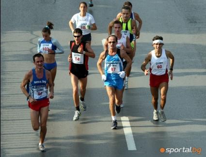 """Състезатели от 9 държави се включиха в мемориалния маратон """"Съединение"""""""
