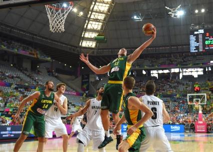 Литва продължава напред след трудна победа над Нова Зеландия