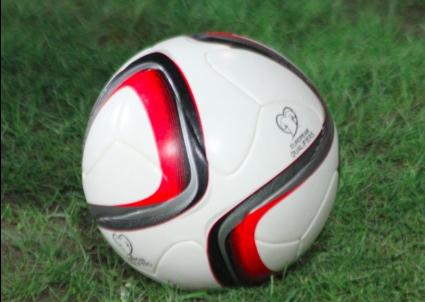 Националите играят със специални топки в евроквалификациите (снимки)