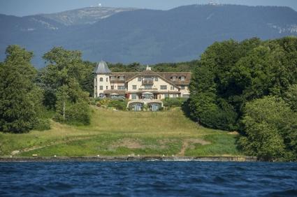 Швейцарската полиция обгради дома на Шумахер