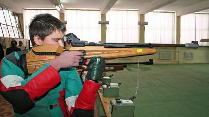 Самуил Донков остана осми на 10 метра пистолет на световното