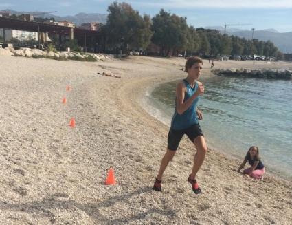 Бланка започна тренировки на плажа