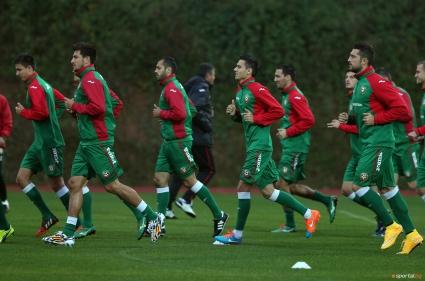 Пускат 500 деца безплатно на мача България - Хърватия
