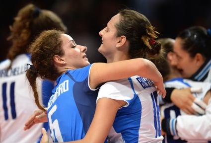 Италия детронира световния шампион Русия с 3:1 и класира САЩ на полуфинал