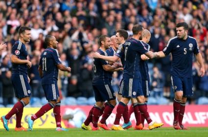 Шотландия с първи точки в битката за Евро 2016 (видео)