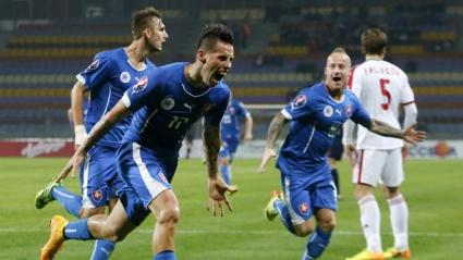 Словакия продължава без грешка, Хамшик герой срещу Беларус (видео)