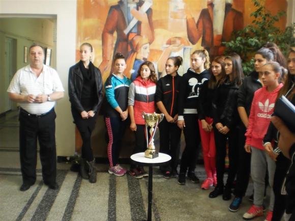 Кампанията за лекоатлетките на Строителния техникум в Бургас постигна победа