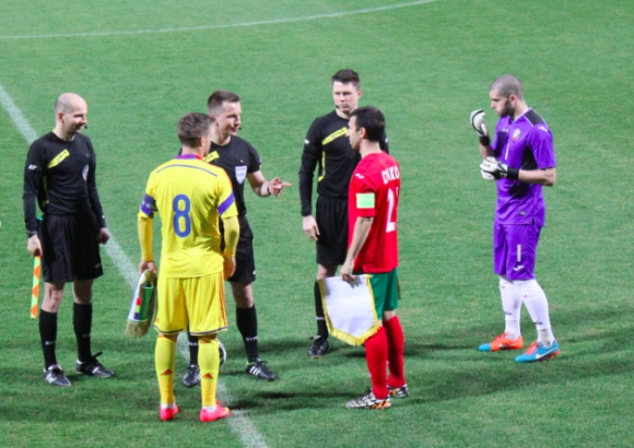България и Румъния не се победиха в дебюта на Петев (видео)