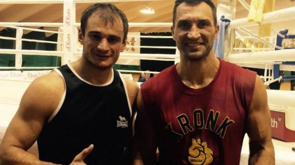 Стана известен още един от спаринг партньорите на Кличко за мача с Дженингс