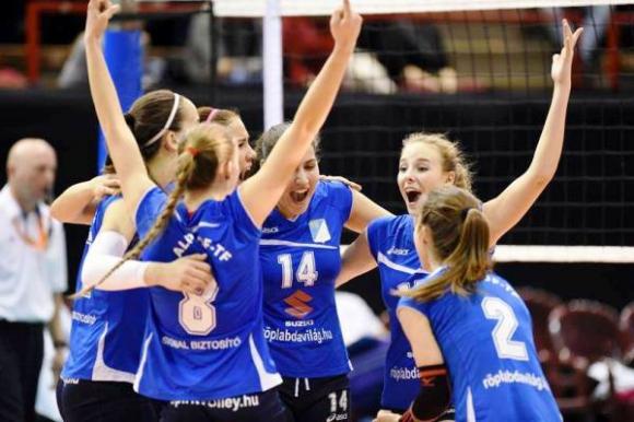 Млади български волейболистки започват борбата в плейофите в Унгария