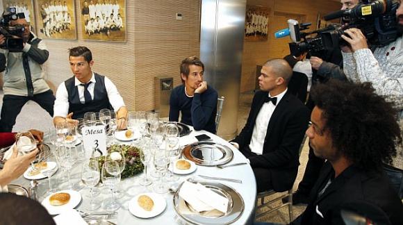 Реал Мадрид сплоти колектива с меню от морски дарове