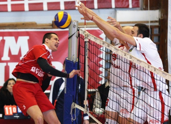 Двама волейболисти се присъединиха към националния отбор за юноши