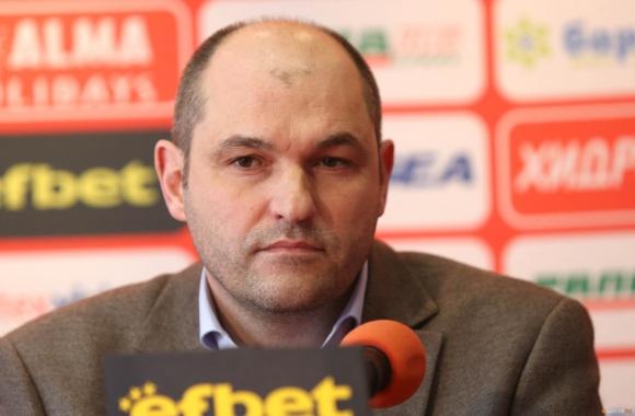 Шеф в ЦСКА: Българин ще е новият треньор