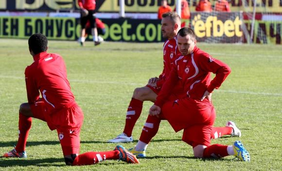 Отговорът на футболистите на ЦСКА относно съмненията за симулативна игра
