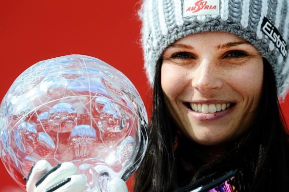 Анна Фенингер грабна победата и Световната купа за втора поредна година