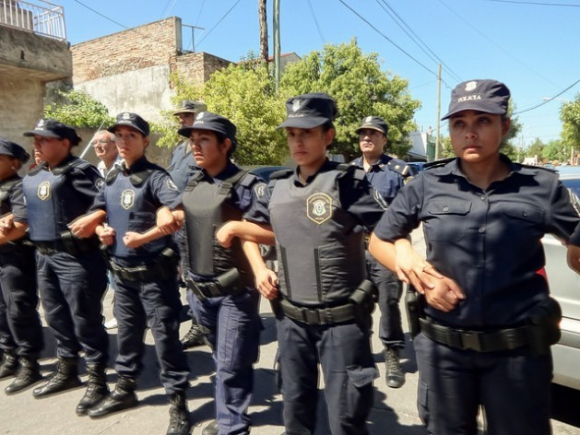 Полицай бе тежко ранен след сблъсъци в Аржентина