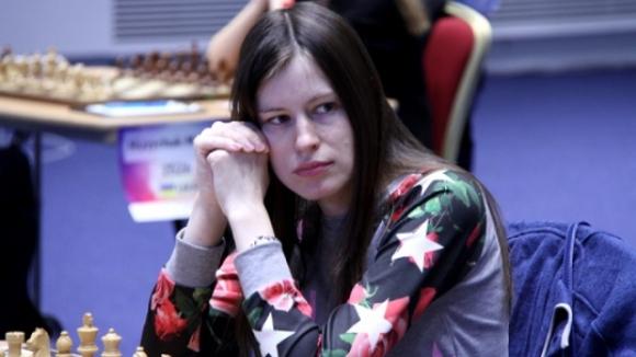 Музичук победи Погонина във втората партия от финалния мач на СП по шахмат за жени