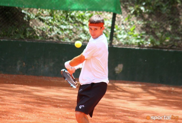 Кутровски се класира за финала на двойки на турнир в САЩ