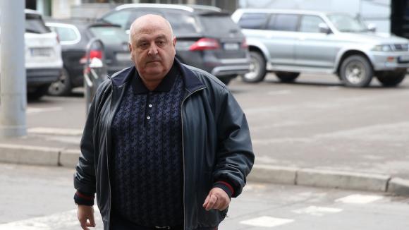 Венци Стефанов избухна: Защо комшията на Гонзо свири мача?