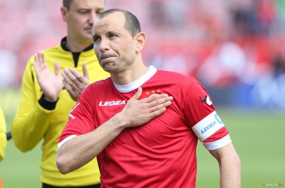 Легендарен нападател отново облече екипа на ЦСКА - тренира с армейците вече втори ден