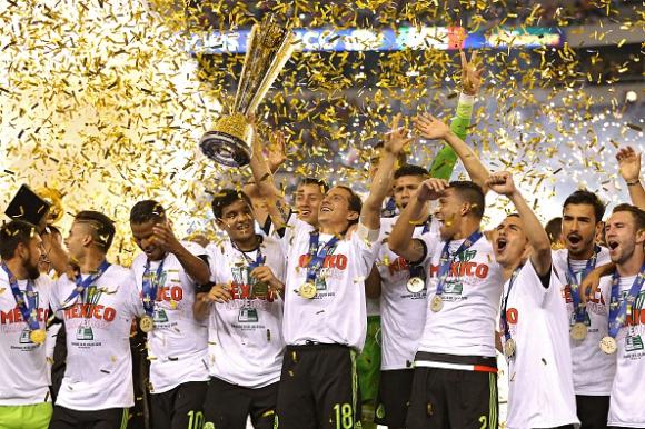 """Мексико триумфира с """"Голд Къп"""" (видео)"""