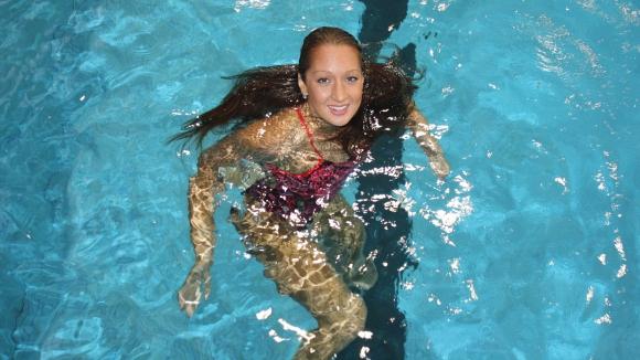 Нина Рангелова с рекорд и полуфинал на 200 метра свободен стил