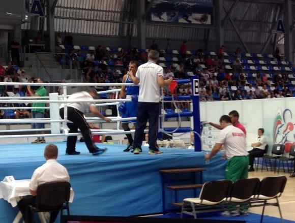 Първа загуба за българите на европейското по бокс в Самоков