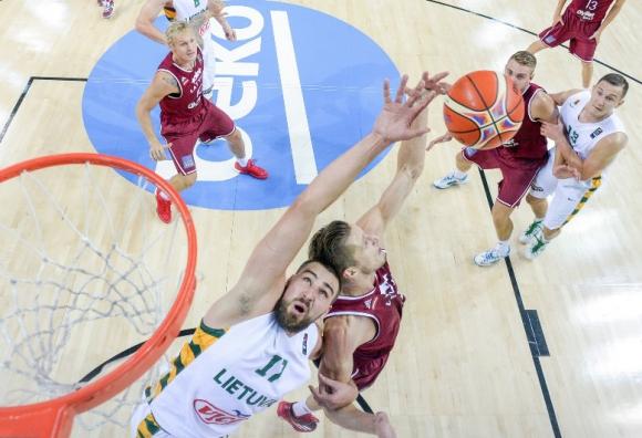 Литва не остави никакви шансове на Латвия (видео)
