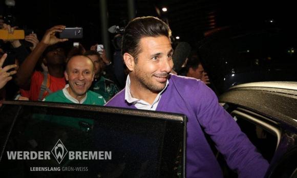 Една от емблемите на Бундеслигата ще играе и на 37 г.