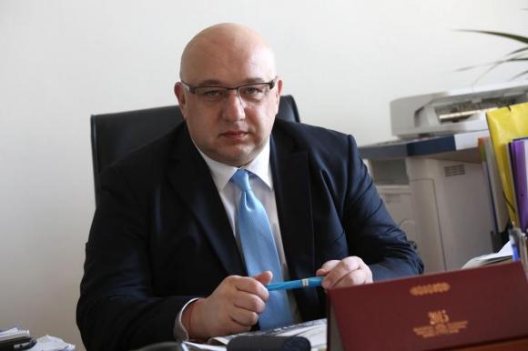 Министър Кралев разписа 6 750 000 лв. за спортните клубове