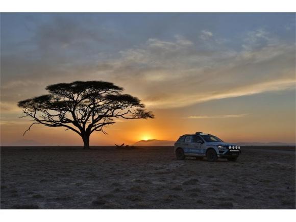 Goodyear подкрепя втория опит за поставяне на световен рекорд Cape-to-Cape