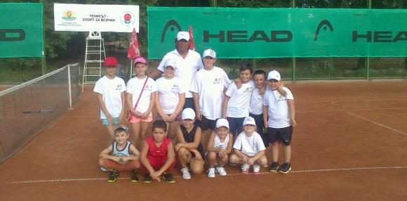 """""""Тенисът - спорт за всички"""" в Харманли"""