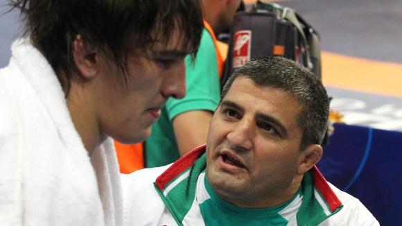 Провал за България във втория ден на световното