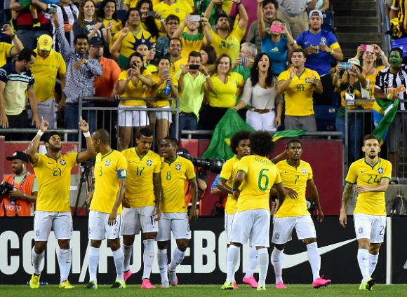 Бразилия прегази САЩ във Фоксбъро (видео)