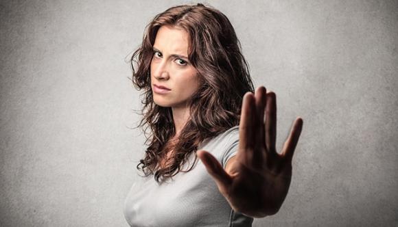 Тя ти отказва секс