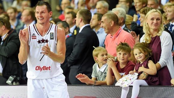 Латвия e последният осминафиналист на Европейското (видео)