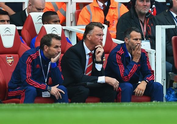 Играчите на Юнайтед недоволни от Ван Гаал