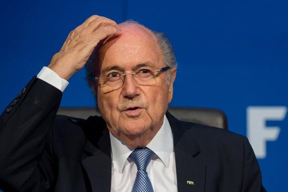 Блатер бе отстранен от поста президент на ФИФА за 90 дни